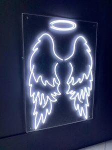 Фигура из гибкого светодиодного неона (крылья)